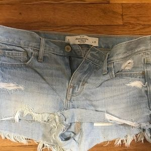 ABERCROMBIE AND FITCH WOMENS SHORTS SIZE 0
